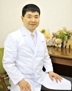 明橋医師プロフィール用写真_ブログ用.jpg